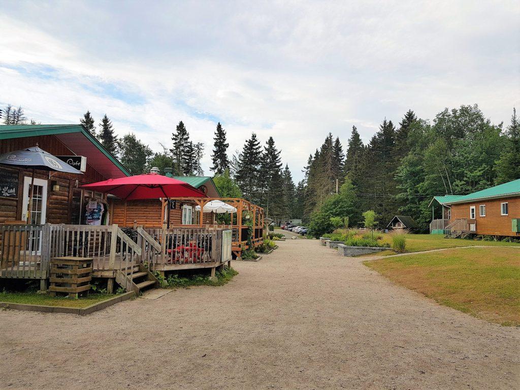 coeur-du-village-vacances-petit-saguenay