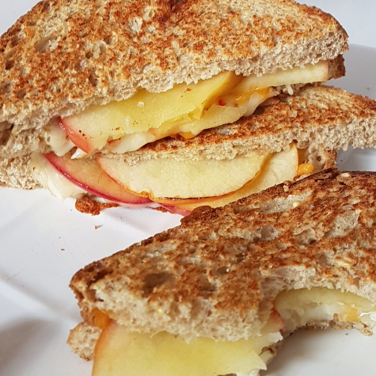 Grilled cheese pomme cheddar express