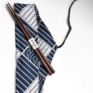 Chopsticks-engraved-happiness-raisonetgourmandise (2)