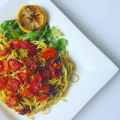 Spaghettis-au-pesto-de-pistaches-et-tomates-caramélisées-raisonetgourmandise.com