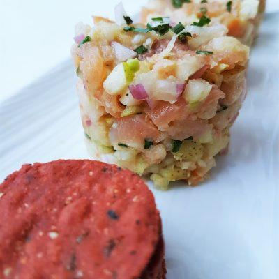 Tartare-saumonfumé-crevettes-poire-avocat-raisonetgourmandise