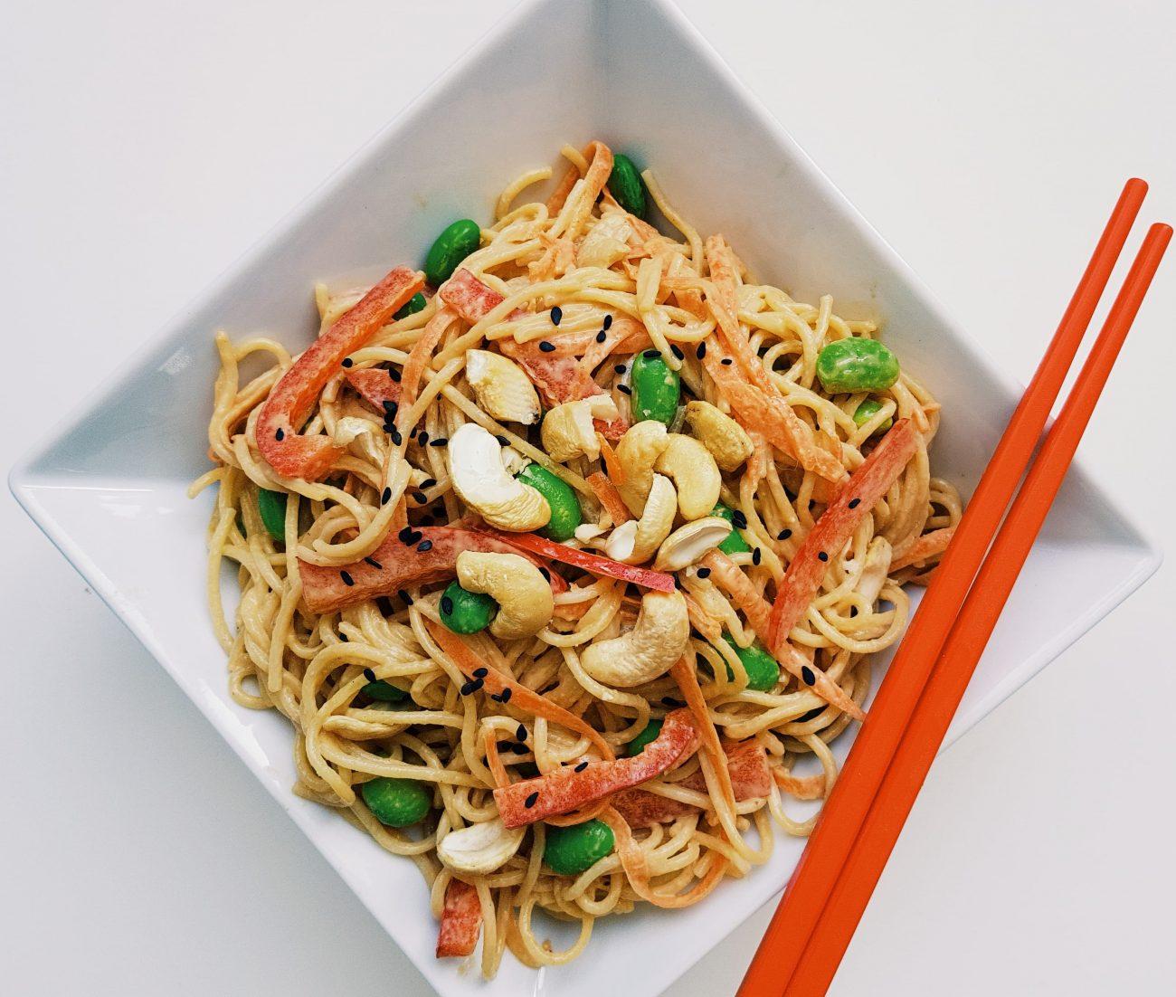 Salade de pâtes asiatique à la sauce Wafu maison