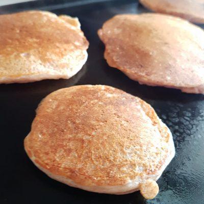 pancakes-epeautre-yogourtgrec-faible-calories-raisonetgourmandise.com